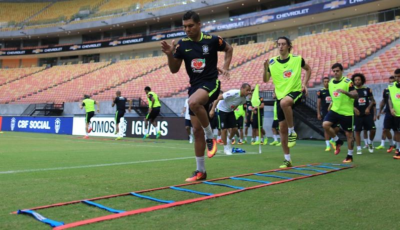 Jogadores participaram de um treino físico, nesse domingo, para a partir desta terça-feira (Foto: Lucas Figueiredo/CBF)