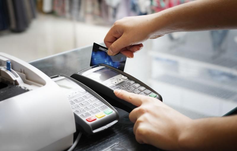 Serviços financeiros, como cartões de crédito, lideram entre dúvidas do consumidor