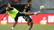 Daniel Alves diz sentir orgulho de jogar pela Seleção e pretende se manter entre os convocados (Foto: Lucas Figueiredo/CBF)
