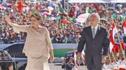 Brasilia, DF, 01-01-20  Presidenta Dilma durantes desfile em carro aberto antes de jurar a constutuição no congresso. Foto: Ricardo Stuckert / Instituto Lula
