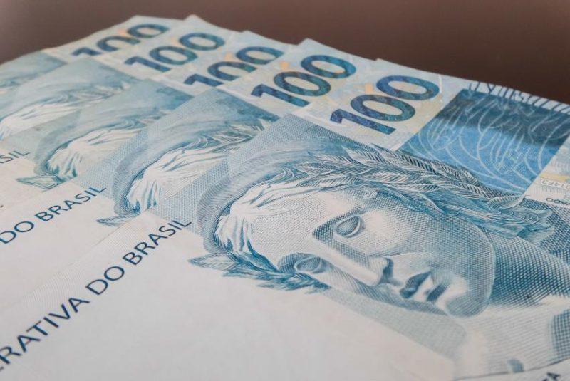 dinheiro-foto-rafael-neddermeyerfotos-publicas