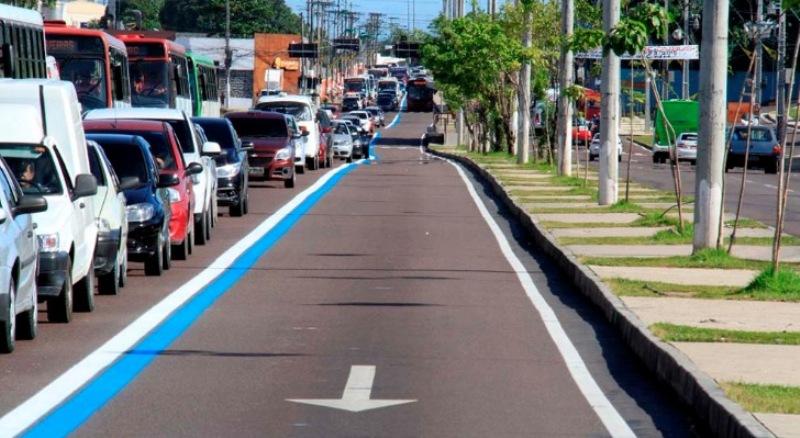 Tráfego na Faixa Azul em Manaus volta a ser exclusivo para os ônibus