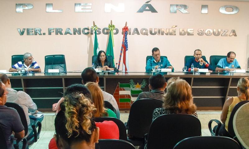 Os candidatos a prefeito de Iranduba Chico Doido, Madá, Alain Cruz, João Maciel e Nonato Lopes (Foto: João Machado)