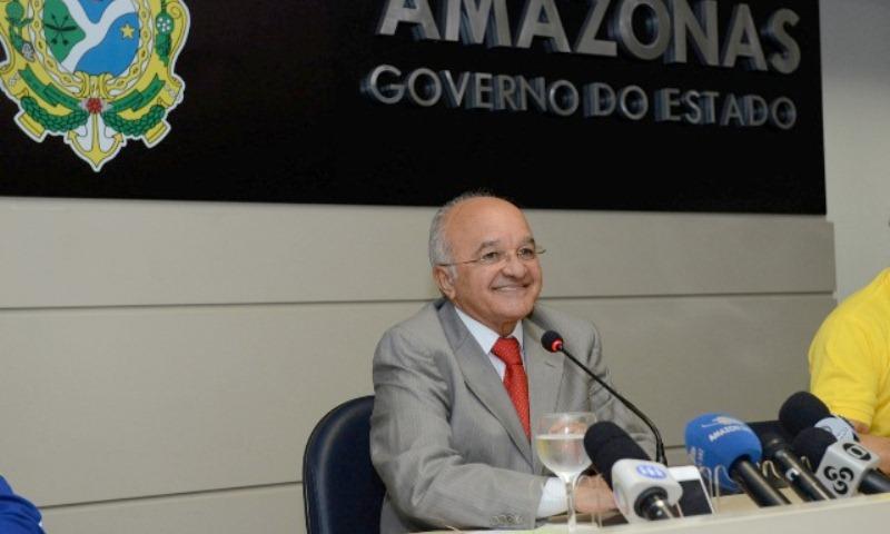 O governador José Melo decidiu não participar formalmente do processo eleitoral e disse que só vai se manifestar no segundo turno (Foto: Valmir Lima)