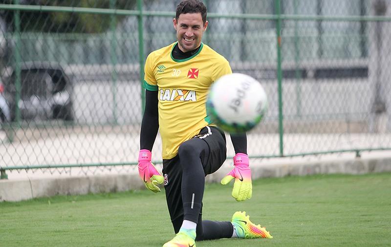 9e3a79f26a06a Goleiro Martin Silva volta à zaga do Vasco após defender seleção do Uruguai  nas Eliminatórias da