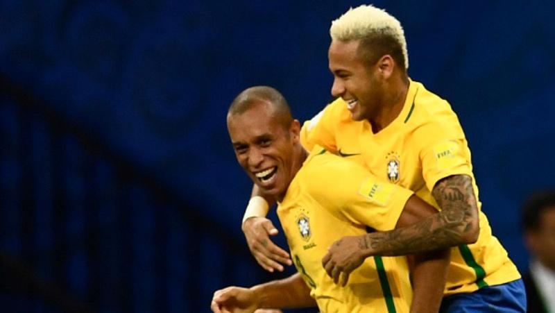 Neymar e Miranda marcaram os gols da vitória da Seleção sobre a Colômbia, em Manaus (Foto: Getty Images)