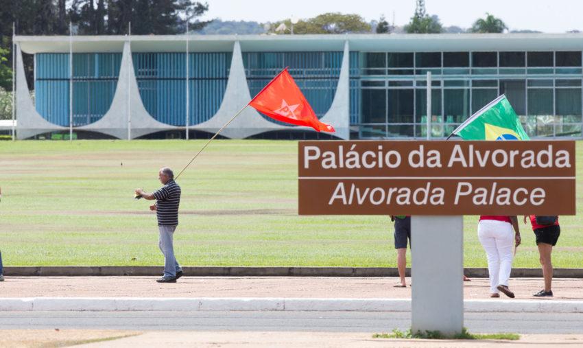 Brasília- DF 31-08-2016  Manifestantes contra o impeachment em frente ao palácia da Alvorada. Foto Lula Marques/Agência PT