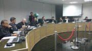 Apenas um juiz estava ausente e já havia votado pela cassação, mas o julgamento foi adiado (Foto: Rosiene Carvalho)