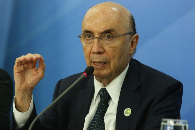 Brasília - O ministro da Fazenda, Henrique Meirelles, fala sobre projeto do Orçamento Geral da União de 2017, enviado hoje (31) ao Congresso Nacional (Valter Campanato/Agência Brasil)