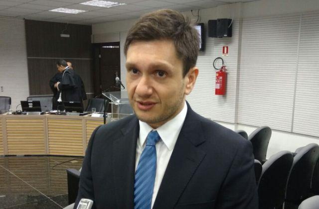 Yuri Dantas disse que a juíza não atendo ao pedido para vetar o uso da Operação Maus Caminhos na propaganda eleitoral (Foto: Rosiene Carvalho)