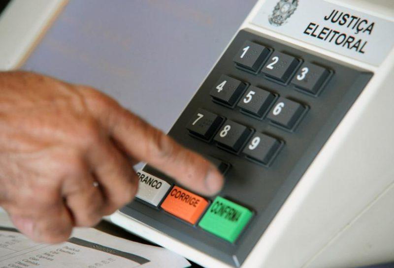 Proposta quer três candidatos no segundo turno das eleições (Foto: Divulgação)
