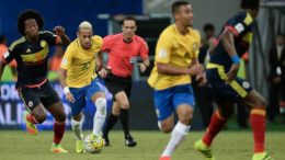 Torcida xingou goleiro da Colômbia em partida contra o Brasil, em Manaus (Foto: CBF/Divulgação)