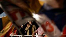 Sumaré - 28.09.2016 - O ex-presidente Luiz Inacio Lula da Silva durante visita a ocupação Vila Soma, eu Sumaré. Foto: Filipe Araujo