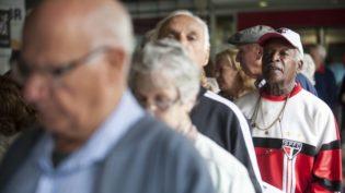 Número de clientes de planos de saúde com mais de 80 anos tem alta de 62%