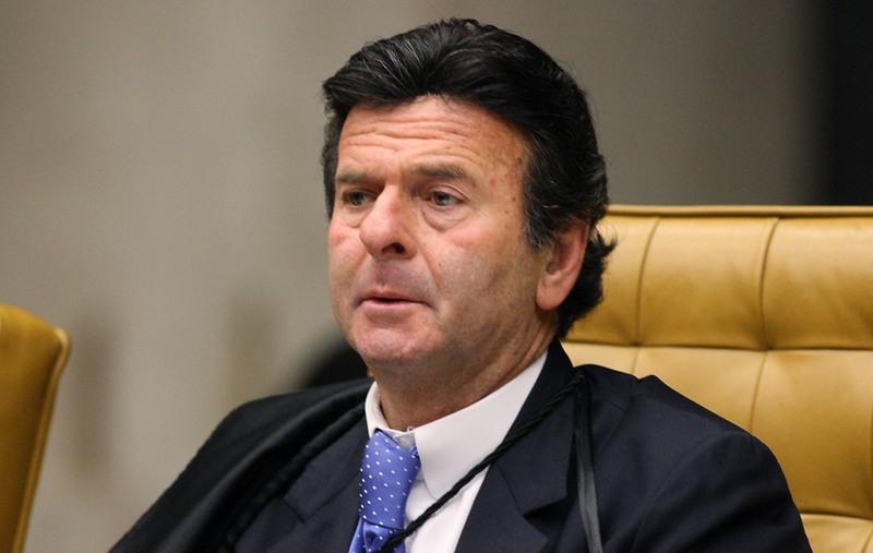 Fux pede vistas e adia julgamento de telemarketing eleitoral