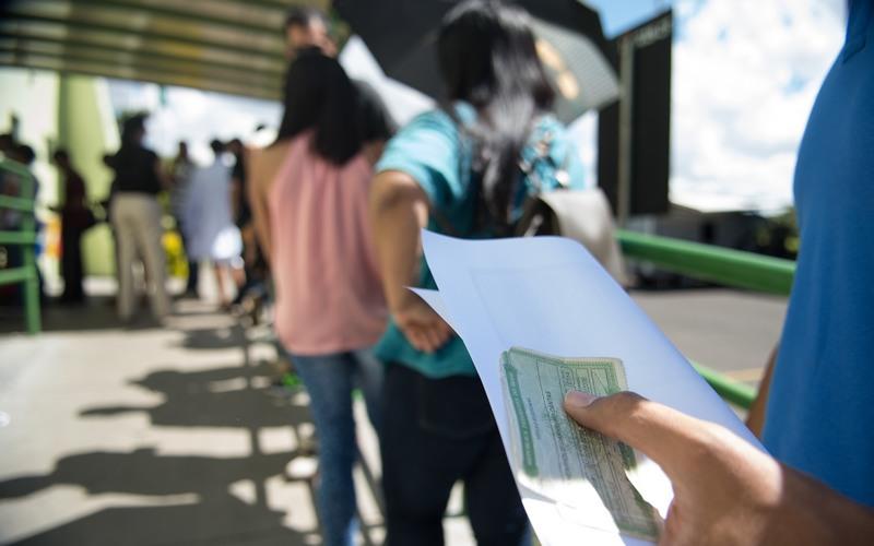 Brasil tem 308 cidades com mais eleitores que habitantes, revela o IBGE