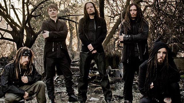 """Recentemente, a banda lançou o vídeo do single """"Rotting in Vain"""" com participação de Tommy Flanaggan, da série Sons of Anarchy (Foto: Reprodução)"""