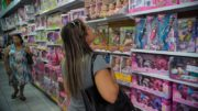 Consumidor também pretende gastar parte da renda extra, principalmente no Norte (Foto: Fernando Frazão/ABr)