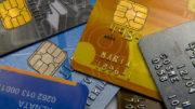 Cartões, dinheiro e cheques. Foto: Marcos Santos/USP Imagens
