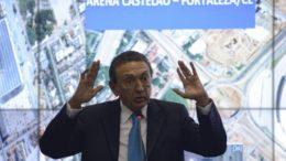 Ministro Edison Lobão nega recebimento de propina.