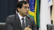 Edmilson Barreiros afirma que seria melhor a Câmara rejeitar o projeto do que aprovar o texto modificado (Foto: Tiago Corrêa/CMM)