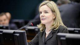 Projeto de redução de salários é da senadora Gleisi Hoffmann (Foto: Marcos Oliveira/Agência Senado)