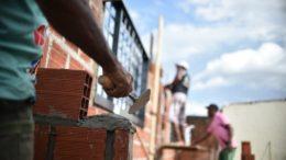 Construção civil registrou alta na renda média do trabalhador (Foto: André Borges/ Agência Brasil)