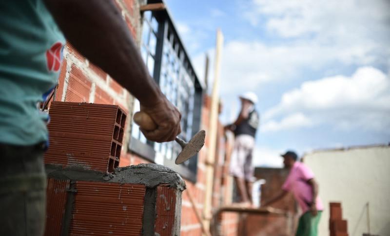 Construção civil do Amazonas cria 1.068 vagas formais, em agosto