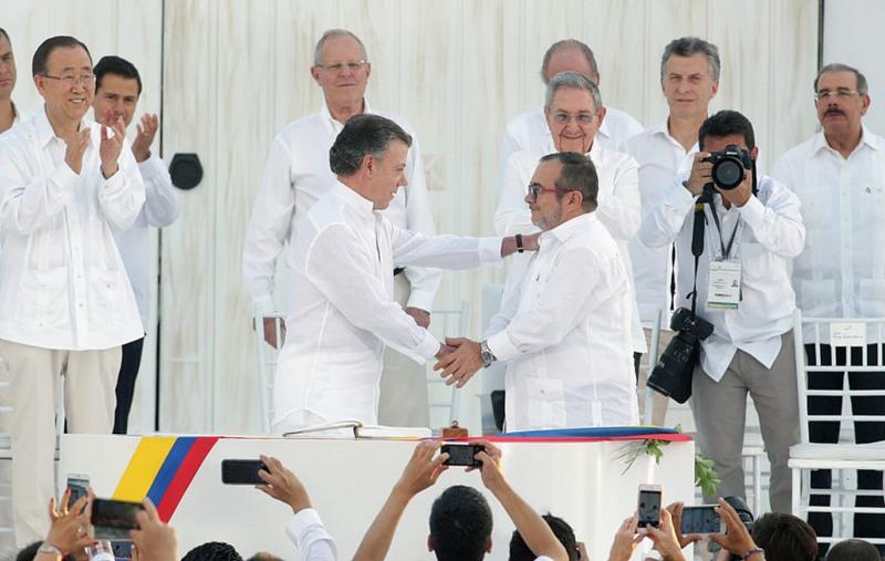 Juan Manuel Santos negociou paz com líder das Farc (Foto: Andrés Valle/Presidência Peru)
