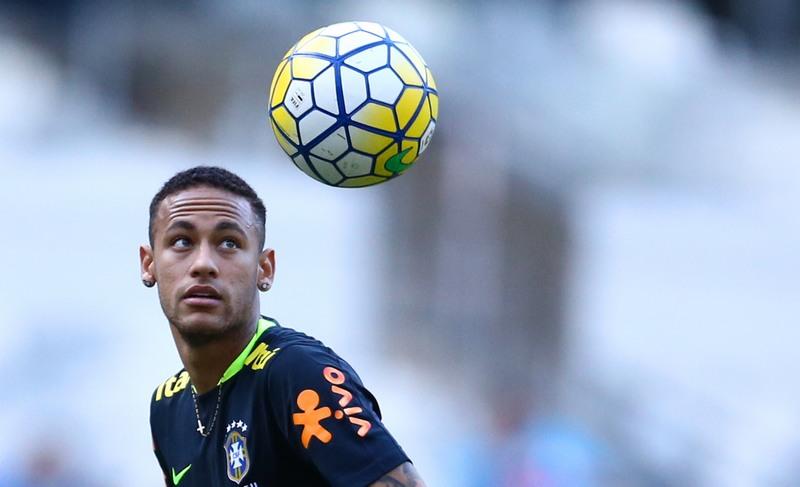 Neymar fará duelo com Messi, companheiro de ataque no Barcelona, desta vez pelas Eliminatórias (Foto: Lucas Figueiredo/CBF)