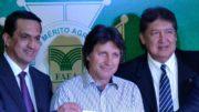 Sidney Leite, o presidente do Idam, Edimar Vizoli, e Hamilton Casara (Foto: Valmir Lima)