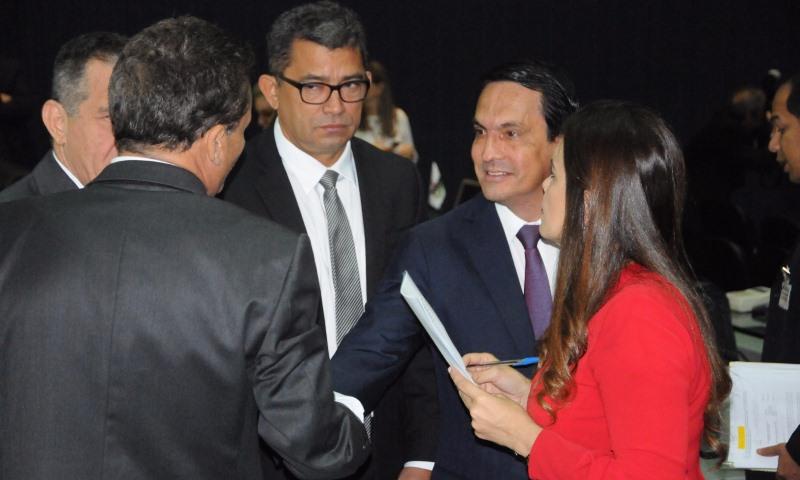 Sidney Leite tenta viabilizar candidatura à presidência e pode ter Alessandra Campêlo como vice (Foto: Divulgação)