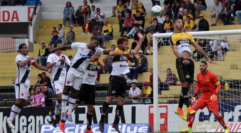 Vasco bem que tentou, mas não conseguiu vencer o Criciúma (Foto: Paulo Fernandes/Vasco.com)
