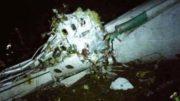 Destroços do avião que levava a equipe da Chapecoense