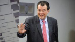 Eduardo Braga disse que não interfere na eleição para a Mesa Diretora da ALE, mas andou se reunindo com deputados (Foto: Marcos Oliveira/Agência Senado)