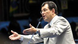 Eduardo Braga é o mais ferrenho crítico do governo de José Melo, que o derrotou em 2014 (Foto: Divulgação)