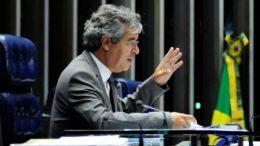 O vice-presidente Jorge Viana, pelo regimento interno do Senado, assume o cargo com o afastamento do presidente (Foto: Alessandro Dantas/PT no Senado)