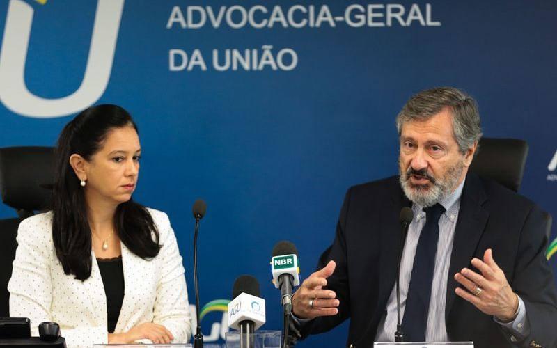 Grace mendonça e Torquato Jardim (Foto: Marcello Casal Jr/Agência Brasil)