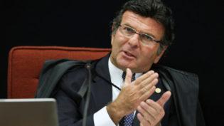 Político inelegível não pode 'provocar' a Justiça para ser candidato, diz Fux