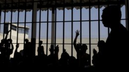 presos (Foto: Wilson Dias/Agência Brasil)
