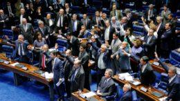 A bola está com os senadores, que rejeitaram a urgência na votação do pacote anticorrupção (Foto: Roque de Sá/Agência Senado)