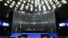 Plenário do Senado durante sessão não deliberativa.  Em pronunciamento, à mesa, senador José Medeiros (PSD-MT).  Foto: Marcos Oliveira/Agência Senado