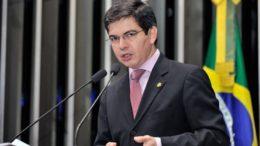 Randolfe (Foto: Waldemir Barreto/Agência Senado)