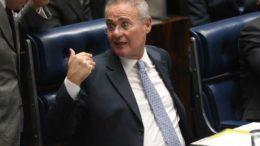 Brasília - O presidente do Senado, Renan Calheiro, durante sessão plenária para votações (Fabio Rodrigues Pozzebom/Agência Brasil)