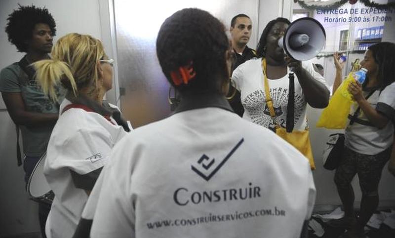 Terceirizados (Foto: Fernando Frazão/Agência Brasil)