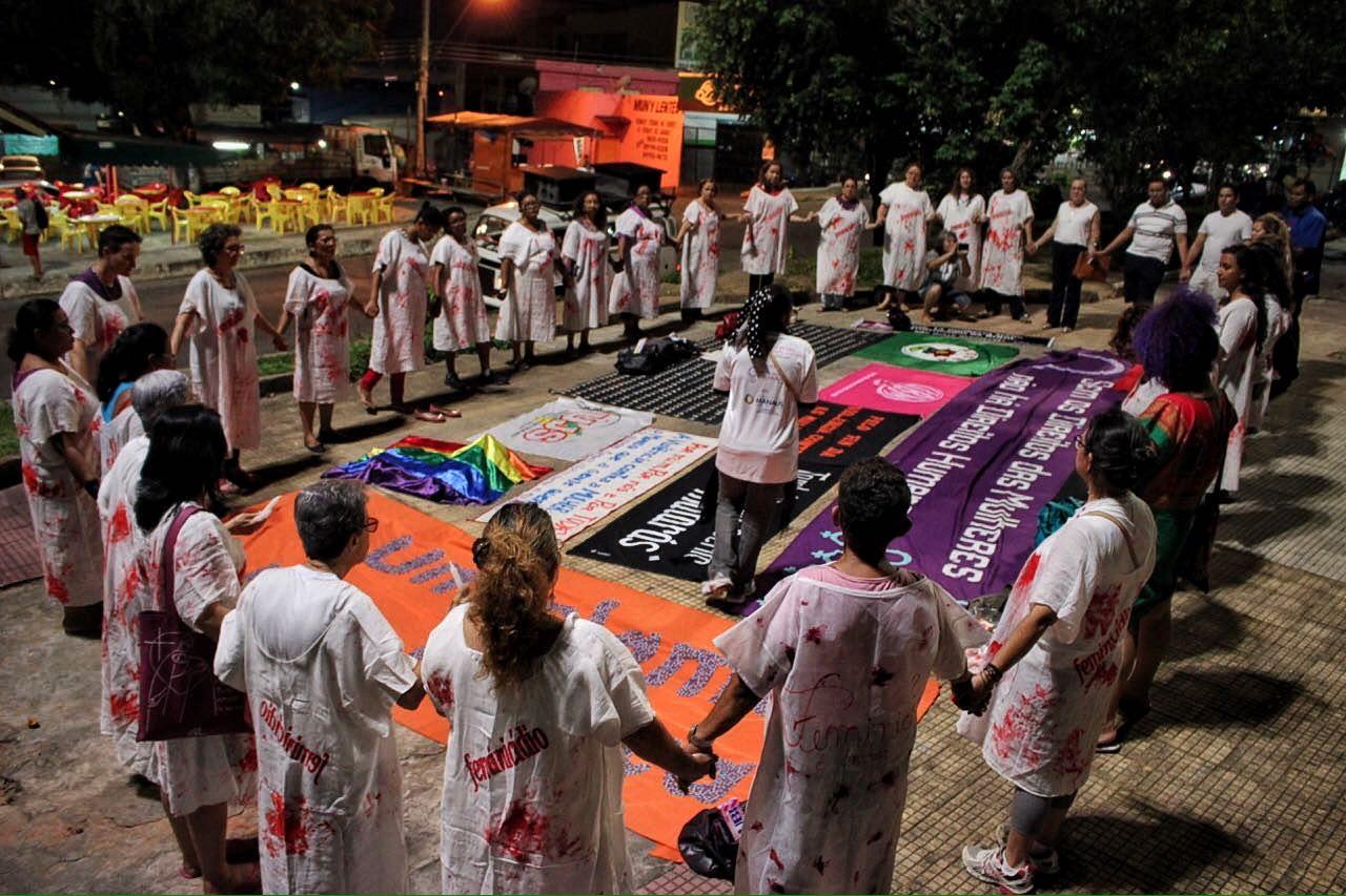 Foto: Divulgação. Mulheres em vigília no São Raimundo pelo fim do feminicídio em Manaus
