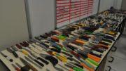 Armas brancas TRT Facas de todo tipo, estiletes e chaves de venda foram apreendidos pela segurança do TRT-11 (Foto: TRT/Divulgação)