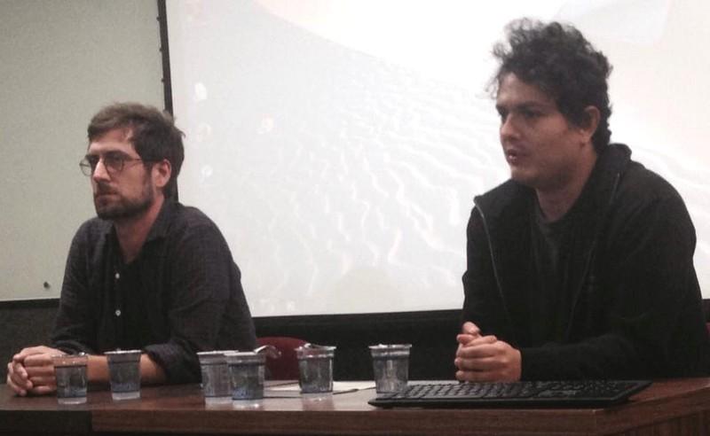 Diretores de Arábia, Affonso Uchoa e João Dumans (Foto: Divulgação/PUC)