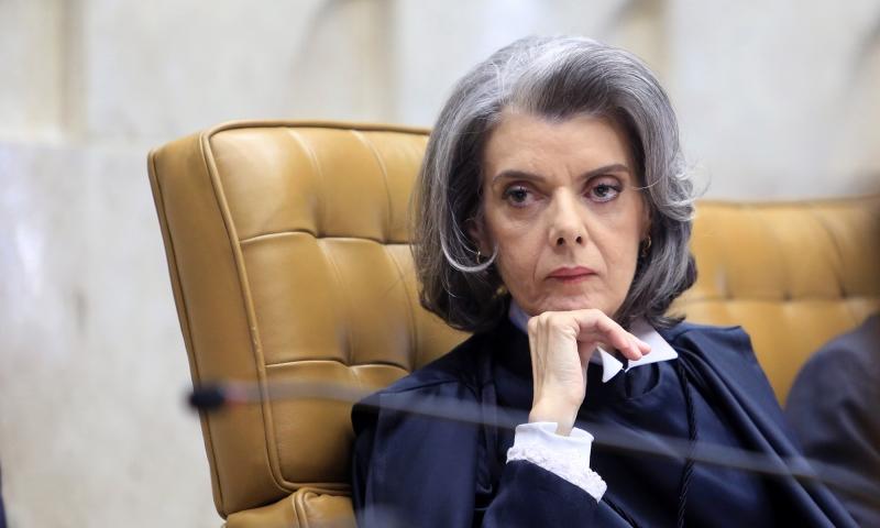 Cármen Lúcia determina que tribunais informem salários de juízes ao CNJ