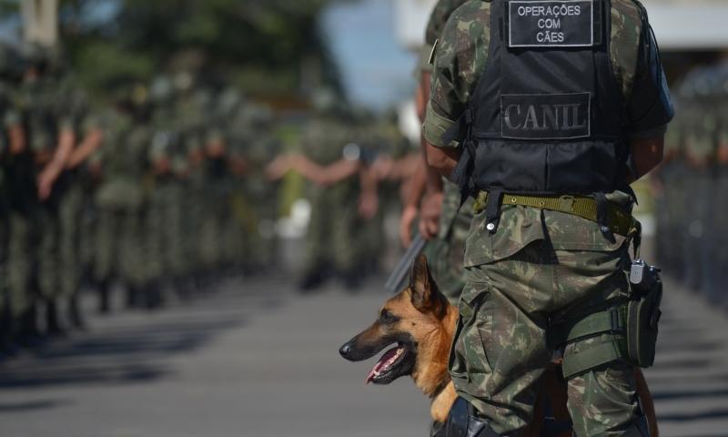 Exército, Marinha e Aeronáutica vão fazer varreduras em presídios de todo o país (Foto: Marcelo Casal Jr./ABr)